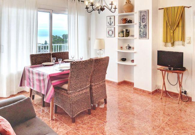 Apartament en Llança - 065 Graciosa Rojo