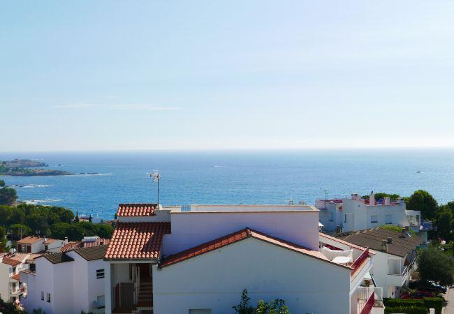 Gran terrassa amb vistes a mar
